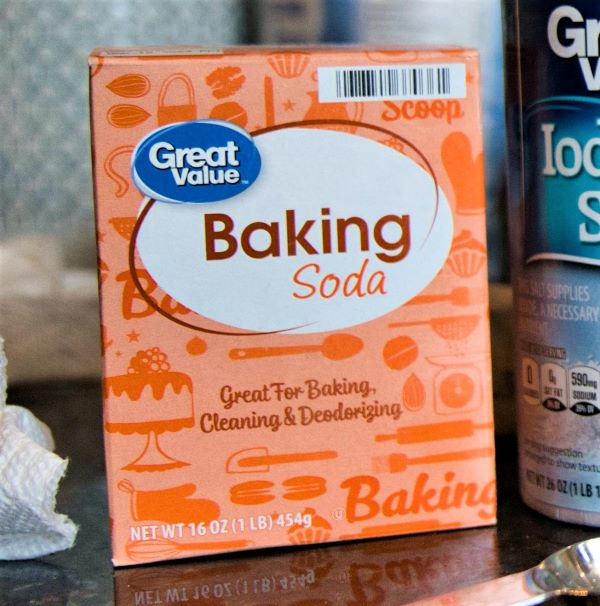 how to clean crocs with baking soda